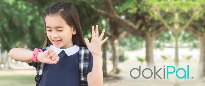 Budování důvěry s dětmi, chlapec a máma, dětské smart hodinky dokiPal