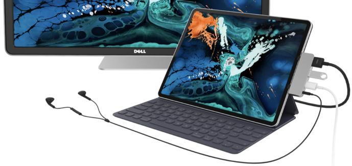 HyperDrive 4in1 USB-C Hub připojený k iPadu Pro a externí obrazovce