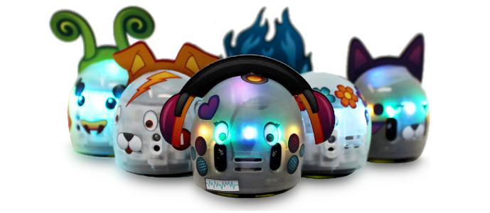 OZOBOT EVO programovatelný robot – převlékněte Ozobota za oblíbenou postavu