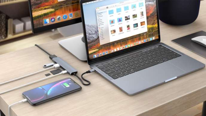 HyperDrive BAR 6-in-1 USB-C Hub For iPad Pro, MacBook Pro/Air with connected iPhone